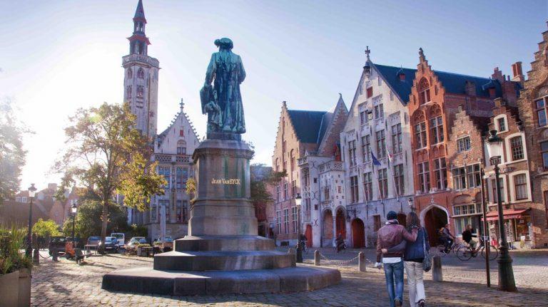 the-jan-van-eyck-square-in-bruges-l--jan-dhondtcourtesy-of-toerisme-brugge