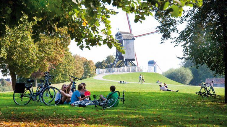 windmills--jan-dhondtcourtesy-of-toerisme-brugge